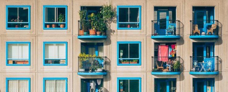 apartment movers Denver - a building