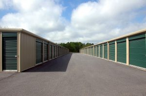 Renting a storage facility can be very helpful during the move-